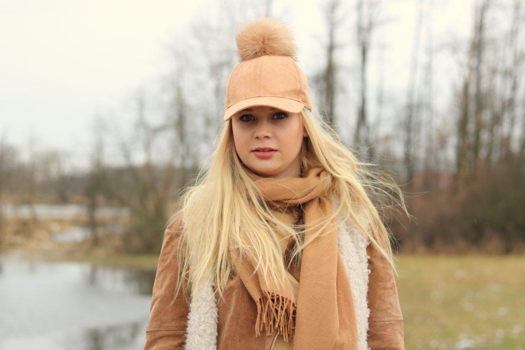 czapka z pomponem (3)
